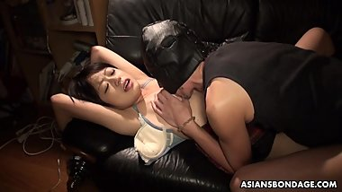Sweet Momo Sakata is moaning while getting fingerfucked
