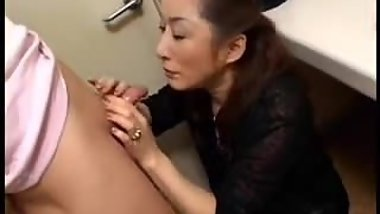 Japanese Mom Has Good Intentions